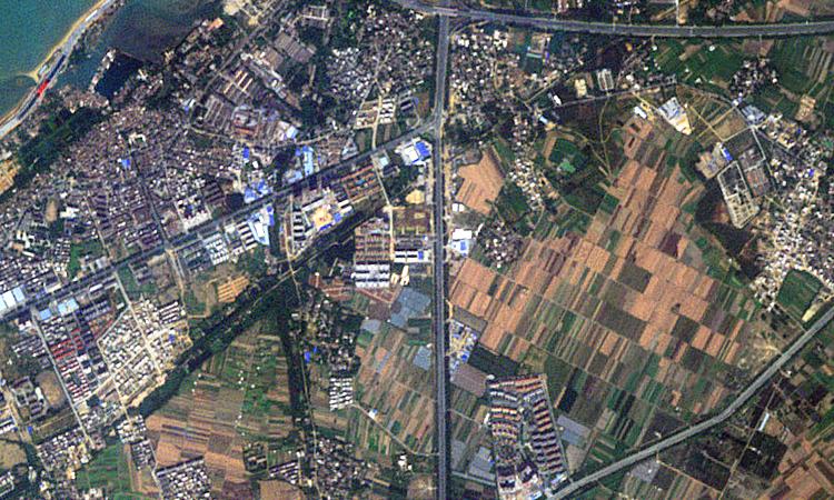 5-метровое изображение RapidEye Бэйхая, Китай, собранное 9 ноября 2010 года.